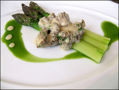 Jean Georges (New York) - Green Asparagus w/ Morels & Asparagus Juice