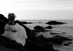 En las rocas (Manme) Tags: bw mar bn olas rocas mediterrneo mlaga novia mimadre torrequebrada torrmuelle