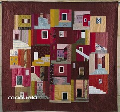 """Genova, forse ...?"" (manu/manuela) Tags: windows art architecture italia doors textile genova quilting quilts patchwork manuela italie fabrics gnes handquilted wonderfulshot 10faves quiltmain"