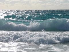 wave 2 - breaking (gervo1865_2 - LJ Gervasoni) Tags: ocean sea water weather surf indian wave australia perth western breaking superhearts photographerljgervasoni