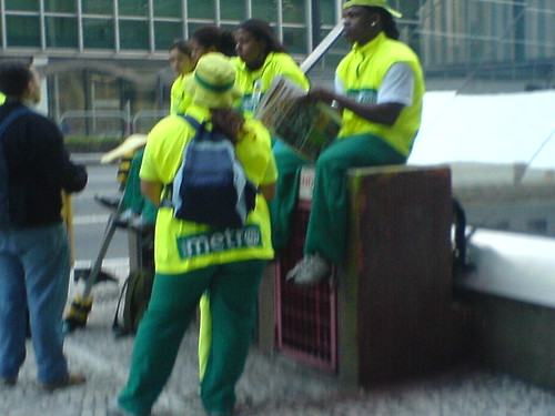 Antes de entregarem o seu jornal, eles são leitores do GIRO SP