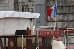 20070526_3775 (Derek Holtham) Tags: paris seine river boat flag bateau bateauxmouches riverseine
