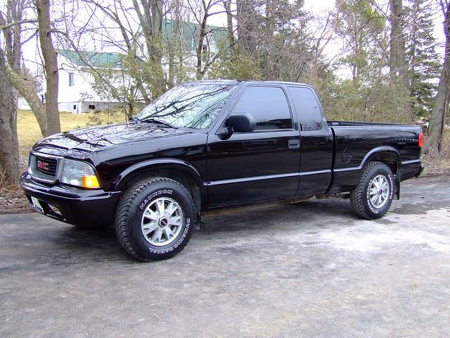 2003 black truck 4x4 sonoma gmc