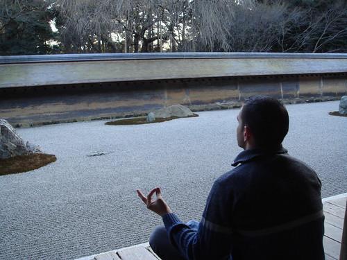 Meditando en el Ryoanji