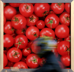 tomatooooooooooooes !! (Dreamer7112) Tags: street red people motion 20d promotion ads advertising poster schweiz switzerland pub europe publicidad suisse suiza propaganda canon20d zurich tomatoes ad streetphotography favorites blurred streetscene canoneos20d billboard advertisement explore billboards zrich juxtaposition publicity werbung svizzera advertisements zuerich publicit plakate plakat eos20d inmotion publicidade pubblicit zurigo  rclame pubblicita motionblurred  werbeplakat werbeplakate abigfave thebestpool top30red clipcook