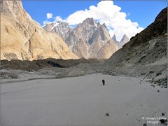 Alone on the Baltoro (Ahmad A Karim) Tags: las pakistan mountains trek glacier karakoram northernareas lums baltoro baltistan