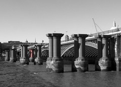 "Old Blackfriars Bridge • <a style=""font-size:0.8em;"" href=""http://www.flickr.com/photos/87605699@N00/484809990/"" target=""_blank"">View on Flickr</a>"
