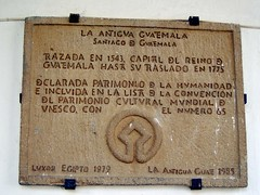 La Antigua Guatemala Patrimony of Humanity - UNESCO (Rudy A. Girn) Tags: plaque cityhall guatemala antigua municipalidad antiguaguatemala antiguaguatemaladailyphoto agdp rudygiron patrimonyofhumanity laantiguaguatemala unescodeclaration