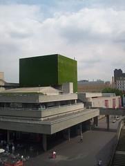 Grass Cube (Kevan) Tags: grass nationalfilmtheatre greygreen gormleystatue lytteltonflytower