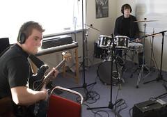 _DSC0064-2 (Siggidóri) Tags: music students studio drums raw nef bass guitar recording lightroom electricbass recordingsession bassi gítar adobergb hljómsveit nemendur upptökur trommur hljóðver musicstudents samspil tónlistarskólireykjanesbæjar