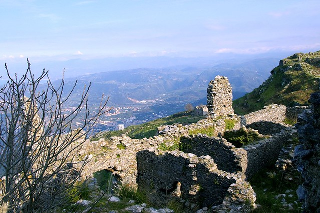 Borgo Medievale Ruderi Gioiosa Guardia feudo nobile Vinciguerra marea messina sicilia milazzo