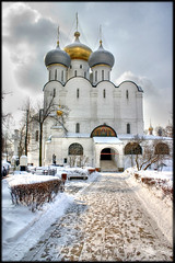 Monastere de Novodievitchi (Ben Martinez) Tags: park christmas street new city trip travel blue trees winter light sunset red vacation sky urban sun white house holiday snow black france color green art blanco home church nature yellow rock architecture clouds canon french landscape geotagged interestingness spring europe christ russia may roadtrip neige blanc franais hdr russie couvent moscou urss moskwa mockba supershot flickrsbest elsine 400d novodievitchi supershots flickrplatinum rostropovitch blueribonphotography