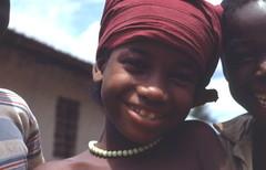 Dos niños africanos sonrientes