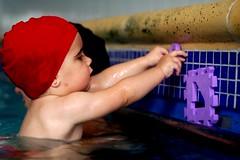 Al agua pato (AV4TAr) Tags: baby pool swim d50 mom happy juegos games piscina mc teresa soe av4tar matronatacion