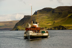 Waverley (tanera) Tags: skye green wet boat paint ship chairs flag portree waterline wavelet wwwtaneracouk httptaneracouk