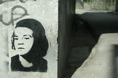 Sophie Scholl (SpUtNik 23 -RUR und MKZ) Tags: street brussels streetart art rose stencil bruxelles du blanche rue weie faucon bxl rur marolles dieweierose lesmarolles laroseblanche