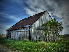 Old Barn - by Michel Filion
