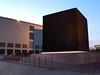 der weiße Kreis (jarob) Tags: sun black art amazing hilarious long exposure gallery hamburg cube kunsthalle quadrat schwarze malewitsch jarob friggn