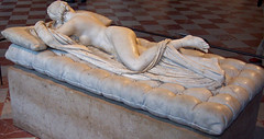 Mascul o femen? / Male or female? (2) (Sebasti Giralt) Tags: sculpture paris greek louvre escultura mythology grec griego mitologia hermaphroditus hermafrodita hermafrodito hermafrodit