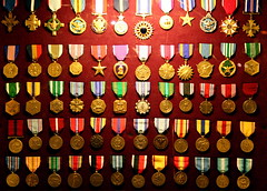 Medals (Samer Farha) Tags: night mall washingtondc nationalmall monuments vietnamveteransmemorial medals viewatnight img5420