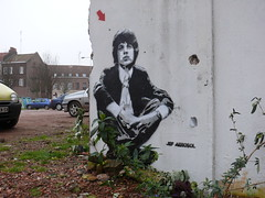 Jef Arosol - Mick Jagger - Lille 2007 (Jef Aerosol) Tags: street urban stencils chicago paris france art jeff graffiti book paint spray vip jef lille venise urbain alternatives pochoirs bombage ditions arosol