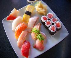 zuvies patiekalai sushi