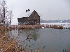orland_barn_snow