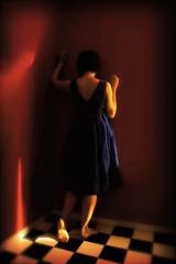 barefoot (Mary Jane 2040) Tags: blue dress barefoot walls bluevelvet davidlynch bluedress reallycottonandsilk