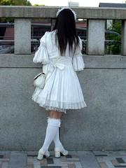 CIMG0086 (a-mole) Tags: white man guy japan tokyo crossdressing harajuku crossdresser whitedress whiteskirt manindress