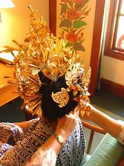 Singaraja headdress (Farl) Tags: wedding party bali lunch gold costume foil decoration pins reception banquet tradition nusadua headdress balinese singaraja pantaimengiat pkmadeshouse