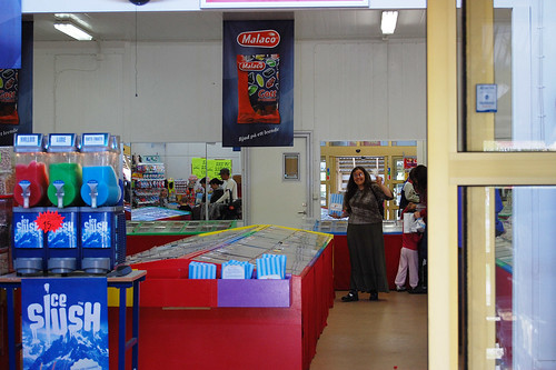 EFIT 2007-05-12. 15:23 - lagerförsäljning av godis i Skåre