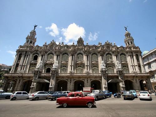 The Great Theatre of Havana (Gran Teatro de La Habana) and a Ford Consul por exfordy.