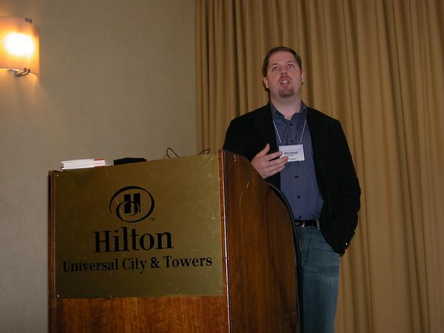 Mike Manuel PR Online Convergence 07 by jgerst2006