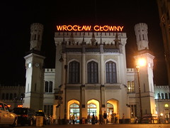 Wroclaw Glowny main hall entrance (szogun000) Tags: railroad station night fuji poland polska rail railway terminal explore finepix fujifilm wroclaw wrocaw pkp s3500 explored lowersilesia dolnolskie dolnylsk wroclawglowny d29271 d29132 d29276 d29273 d29285 d29763