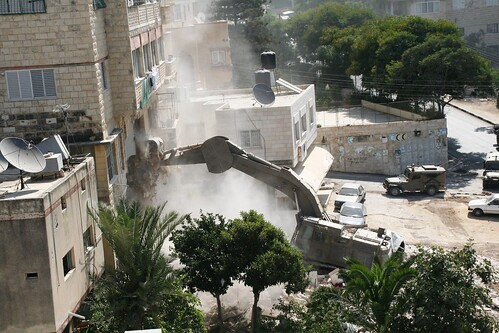Caterpillar Excavator destroys homes #5