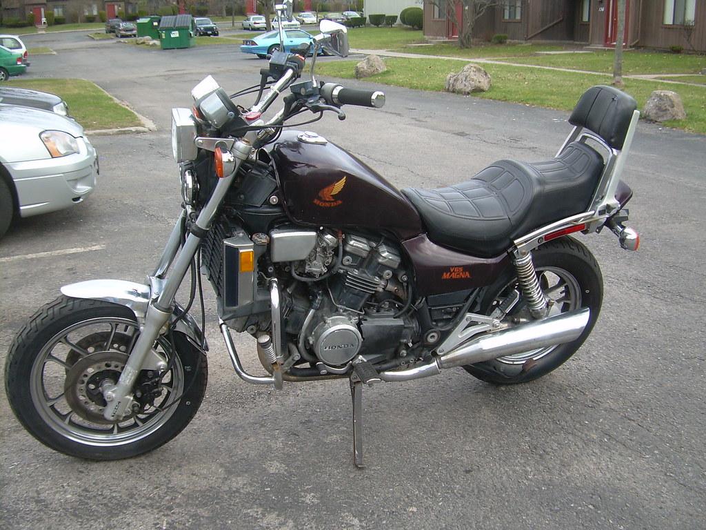 1984 Honda VF1100F v65 Magna