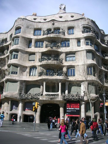 La Pedrera House by puroticorico.