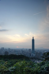 TAIPEI 101 sunset (ipann) Tags: sunset 101 taipei   mtelephant