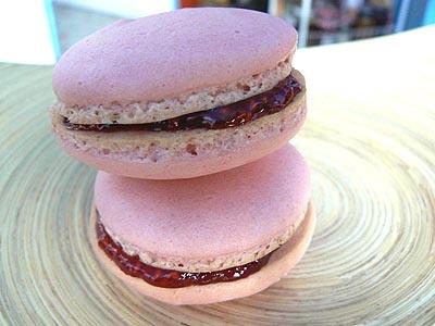 macarons framboises 2 .jpg
