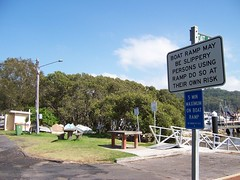 Bustling Downtown Pretty Beach (Spikebot) Tags: australia nsw walkies prettybeach brisbanewater pc2257 auspctagged brokenbay prettybeachroad bustlingdowntownprettybeach bouddipeninsula