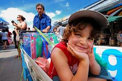 very nice kid.jpg (pornpoj nantajeeworawat) Tags: thailand nikon asia market weekend bangkok sigma 100v10f 1020 jatujak d80 tonapple