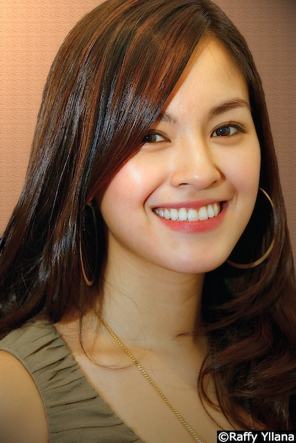 493693158_2c06130341_o - Unforgettable Face of a Filipina - Philippine Video and Music