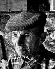 Nonno Paolo Ricciu, Classe 1920 - Explored! (FRANCO CERNIGLIA) Tags: sardegna bw white eye look lago ojo 22 la al paolo right bn occhi sguardo balck nuestros sole mirada acqua montagna bianco nero occhio reserved nonno franco 1920 nonna zappa vendemmia aratro lavoro anziani ancianos nonni antichi nostri quercia vigna granito gallura collettivo liscia igna luogosanto cerniglia saperi cernobyl nonnograndfather paoloricciusardegnaitaliacontadnofarmerpastoresheperdnaturanature collettivo22 ricciu marrare wwwsardiniatouristguideit locusantu gadduresu daddhura