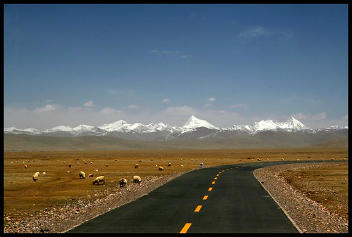 Returning from Namtso Lake.
