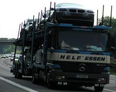 Auch ein Mercedes kann Fahrfreude bringen ;o) (wacek) Tags: car fun mercedes driving snapshot bmw pleasure sheer freudeamfahren fahrfreude sheerdrivingpleasure