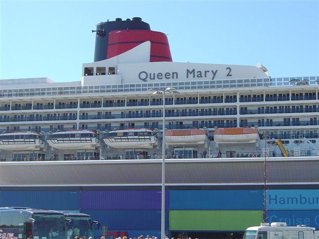 Queen Mary 2 QM2 in Hamburg (46)