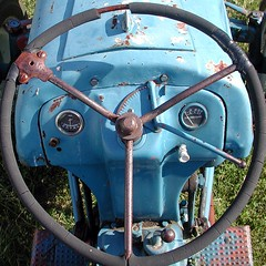 Steering Wheel (LooknFeel) Tags: tractor squaredcircle steeringwheel