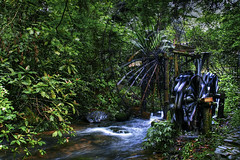 Water Wheel (hk_traveller) Tags: china trip travel vacation 20d water canon photo asia canon20d turbo filter guangdong   nd400  turbophoto