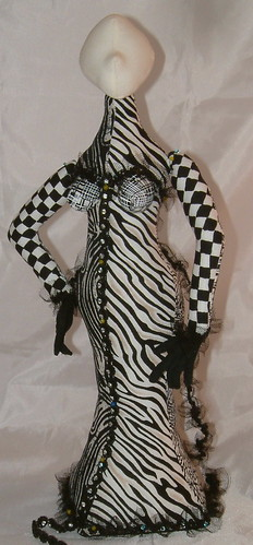Stump doll in black/white