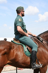 Guardia civil a caballo 2 (Alfonso Arenas) Tags: police policia guardiacivil caballeria